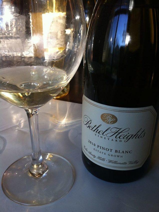 Oregon вино из сорта Pinot blanc